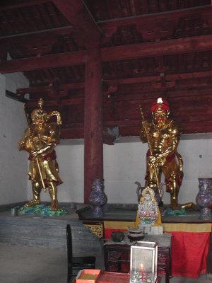 Принц Кимнара новая статуя